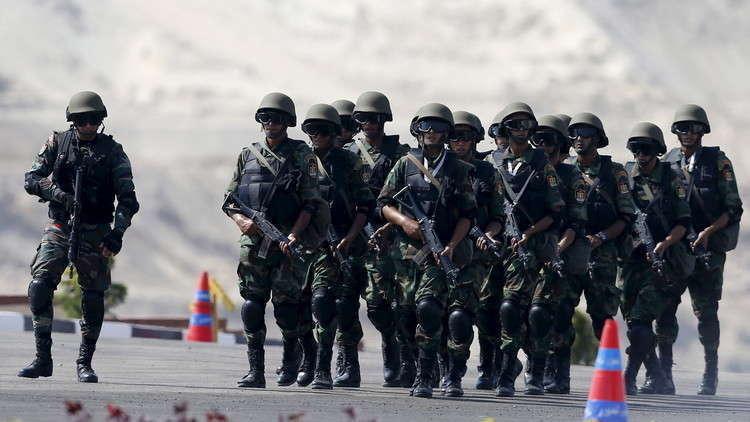 وزير الدفاع المصري يحذر من المساس بأمن البلاد