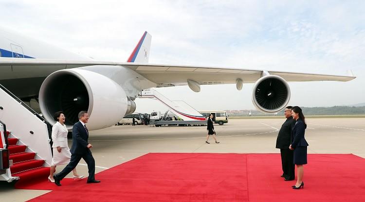 قمة ثالثة بين الكوريتين لبحث نزع السلاح النووي ودعم محادثات السلام