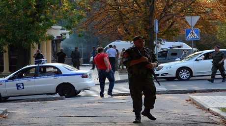 مدخل المقهى حيث وقعت جريمة اغتيال الكسندر زاخارتشينكو
