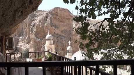ترميم الأديرة ودور العبادة ببلدة معلولا