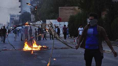 تظاهرات في البصرة والأمن يفرقها بالقوة