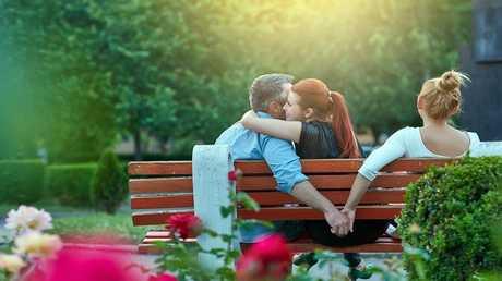 علماء يكشفون عن تكتيكات يستخدمها الناس لمنع الخيانة الزوجية!