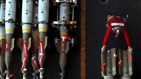 قنابل موجهة بالليزر - أرشيف