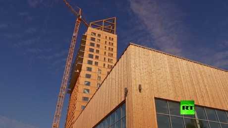 انتهاء أعمال بناء أعلى عنارة من الخشب في العالم