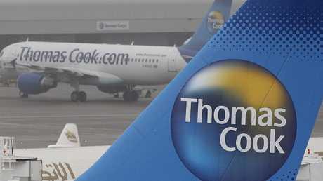 طائرات تحمل شعار شركة توماس كوك البريطانية للسفر