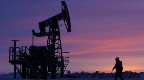 الإمارات تستثمر في حقول نفط في سيبيريا بمشاركة صندوق روسي