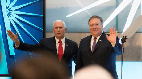 نائب الرئيس الأمريكي، مايك بينس، ووزير الخارجية الأمريكي، مايك بومبيو