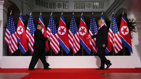لقاء قمة بين دونالد ترامب وكيم جونغ أون