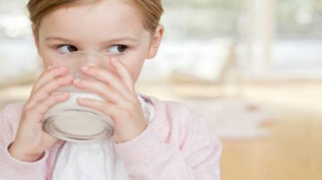 دراسة تنفي أسطورة شائعة عن الحليب!