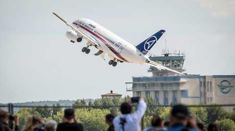 الطائرة المدنية الروسية سوخوي سوبر جيت 100