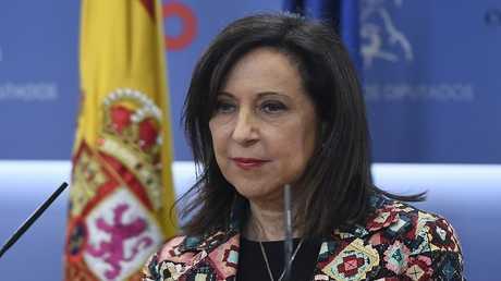 وزيرة الدفاع الإسبانية مارغاريتا روبليس