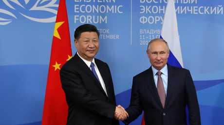 لقاء الرئيس الروسي فلاديمير بوتين ونظيره الصيني شي جين بينغ على هامش منتدى الشرق الاقتصادي في فلاديفوستوك