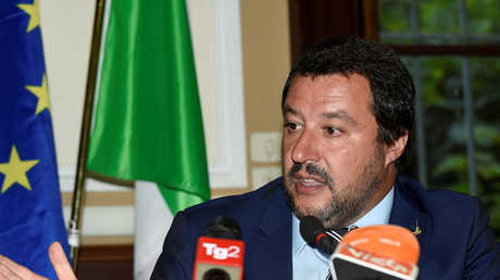 نائب رئيس الوزراء الإيطالي وزير الداخلية ماتيو سالفيني
