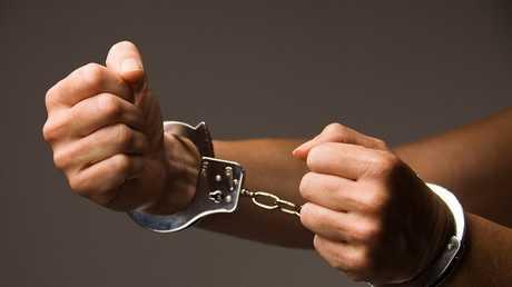 """اعتقال امرأة حاولت اختطاف """"شريك حياتها السابقة""""!"""