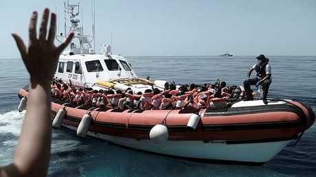 مهاجرون في البحر الأبيض المتوسط - أرشيف