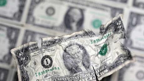 بوتين يحذر من خطر حصر التجارة بالدولار