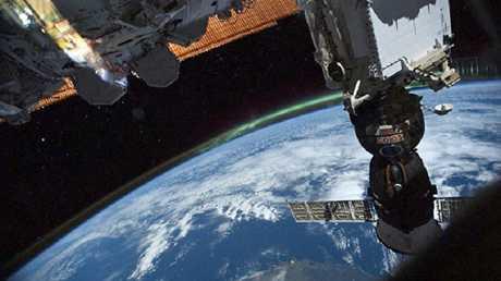 """المركبة """"سويوز"""" ملتحمة بالمحطة الفضائية الدولية"""