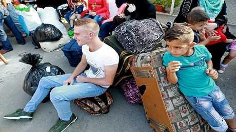 صورة أرشيفية للاجئين سوريين