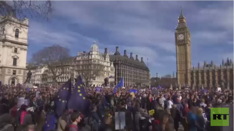 ترقب لدى الأوروبيين المقيمين ببريطانيا
