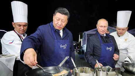 الرئيسان الروسي والصيني على هامش منتدى الشرق الاقتصادي الروسي
