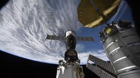 لا يوجد في المحطة الفضائية الدولية مثقاب لعمل مثل الثقب المكتشف