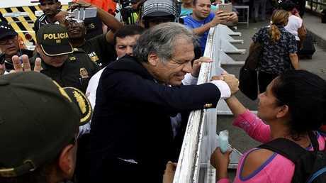 الأمين العام لمنظمة الدول الأميركية لويس ألماغرو يزور منطقة قريبة من حدود كولومبيا مع غنزويلا
