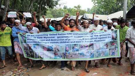 النازحون الروهينغا يطالبون بمحاسبة حكومة ميانمار بأحد مخيمات للنازحين  في بنغلادش