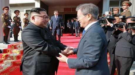 الرئيس الكوري الجنوبي مون جيه إن ونظيره الشمالي كيم جونغ أون