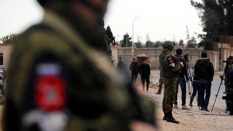 أحد عناصر الشرطة العسكرية الروسية في سوريا