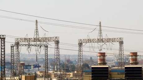 مصر توقع اتفاقا بقيمة 352 مليون دولار مع سيمنس لإدارة محطات للكهرباء