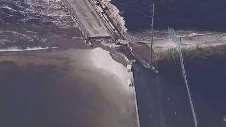 فيديو يظهر تضرر سد من الإعصار