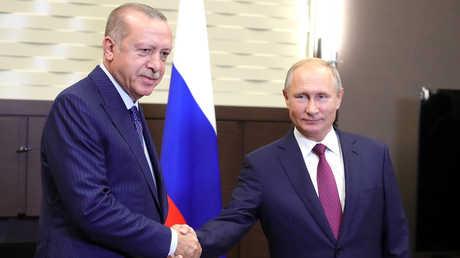 الرئيسان الروسي فلاديمير بوتين والتركي رجب طيب أردوغان أثناء لقائهما 17 سبتمبر في سوتشي