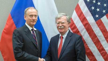 لقاء أمين مجلس الأمن الروسي نيكولاي باتروشيف ومساعد الرئيس الأمريكي للأمن الوطني جون بولتون في جنيف، 23 أغسطس 2018
