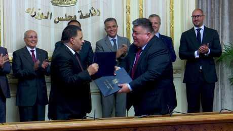 القاهرة توقع على توريد عربات سكك الحديد