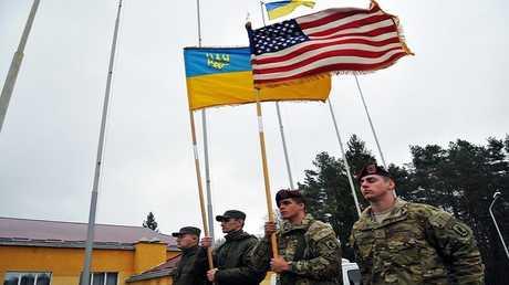 عناصر من الجيشين الأمريكي والأوكراني أثناء تدريبات مشتركة