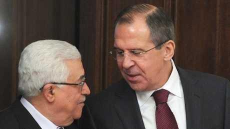 وزير الخارجية الروسي، سيرغي لافروف والرئيس الفلسطيني، محمود عباس: صورة من الأرشيف