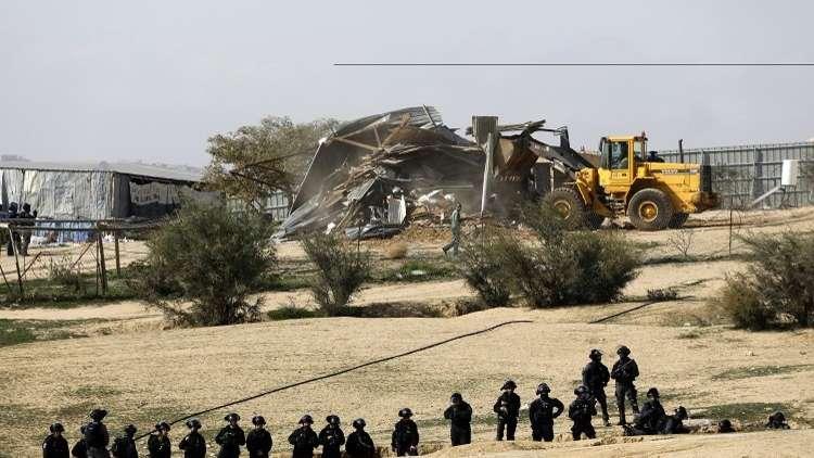المستوطنون يستولون على مئات الدونمات الفلسطينية جنوب نابلس