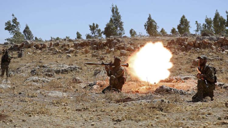 القتال يستعر بين أكبر فصيلين مسلحين شمال حلب السورية