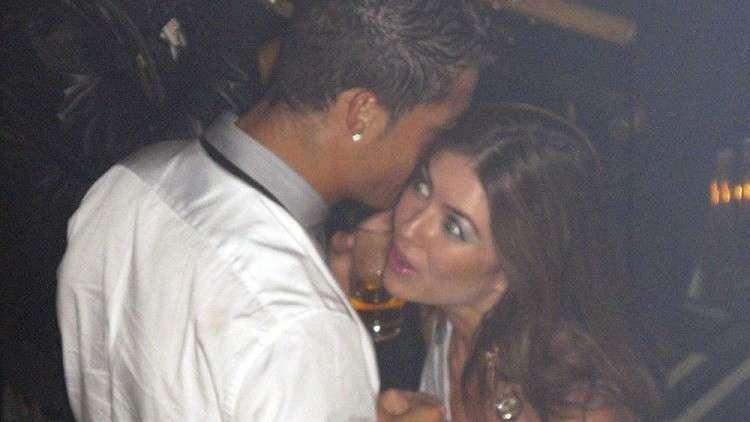 رونالدو يعترف: أقمت علاقة مع مايوركا