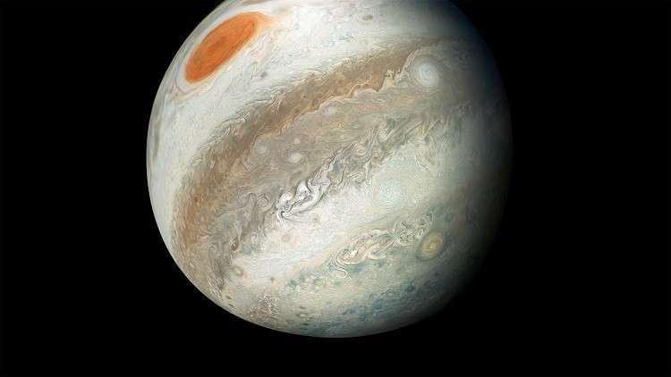 مشهد مثير للعواصف الشديدة في أضخم كواكب المجموعة الشمسية