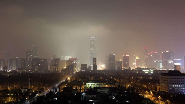 كائن غامض يترك دربا غير عادي وراءه في سماء الصين