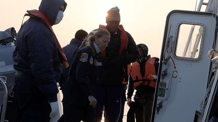 اليونان.. مصرع 11 مهاجرا بتصادم حافلة وشاحنة