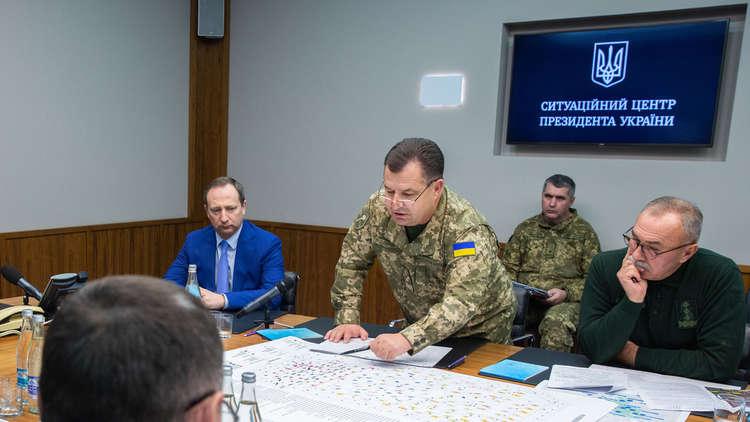 وزير الدفاع الأوكراني يستقيل ويبقى في منصبه