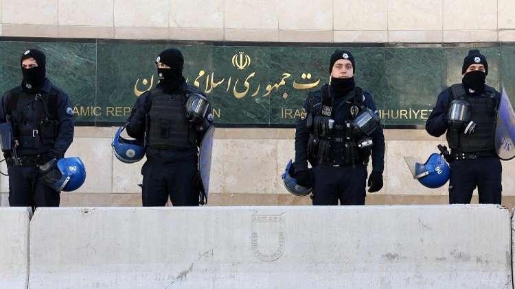 طهران تنفي نبأ إخلاء سفارتها في أنقرة وتصفه بالكاذب