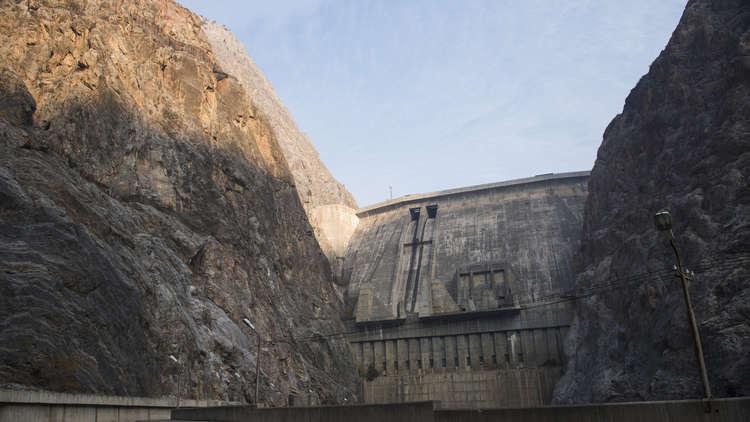 السيسي يشرف على بناء سد جديد في دولة إفريقية
