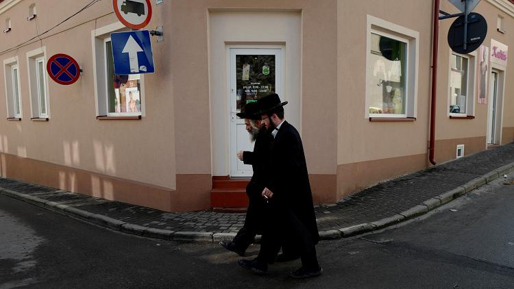 تقرير: زعيم جالية يهودية في ألمانيا مسيحي