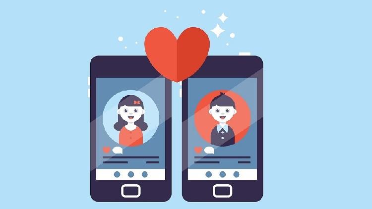 هل تحمل شبكة الإنترنت مفتاح الحب وسر السعادة الزوجية؟