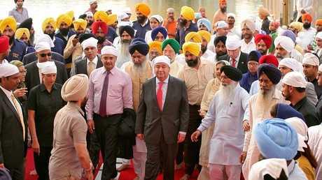 الأمين العام للأمم المتحدة في المعبد الذهبي بالهند