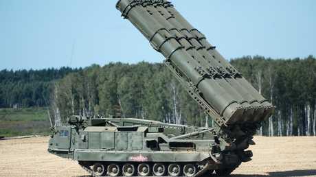 """منظومة صاروخية من طراز """"إس-300"""""""
