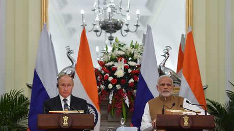 الرئيس الروسي فلاديمير بوتين ورئيس الوزراء الهندي ناريندرا مودي